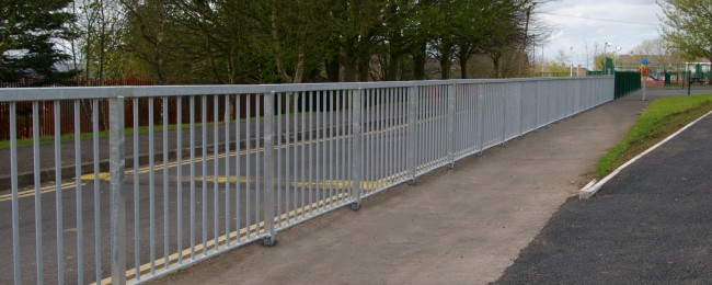 Nk On Road Pedestrian Guard Rail Nk Fencing Uk